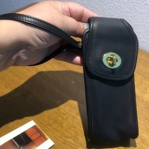 Coach Bags - Flash Sale 🔥Vintage Coach cellphone holder